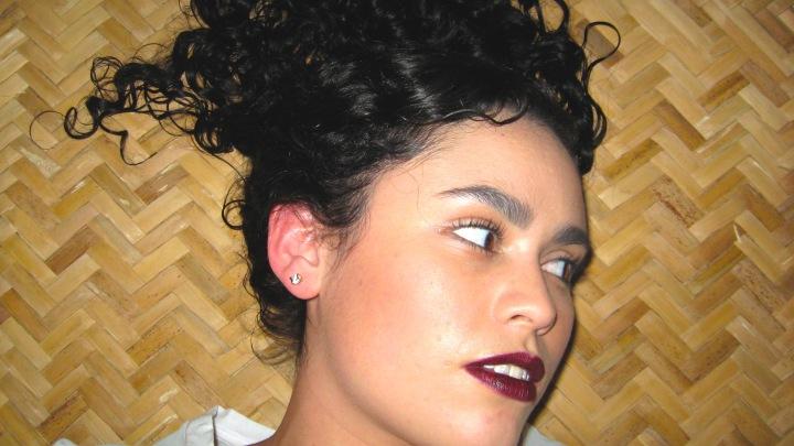Upside curls