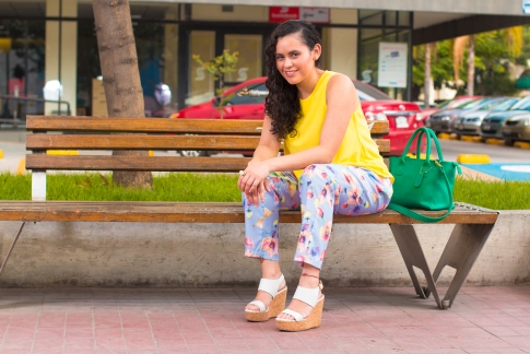 Paseo Chapultepec From POST: Floral pants and yellow top to say goodbye to summer