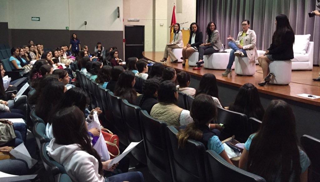 At Sisters 2015 Guadalajara