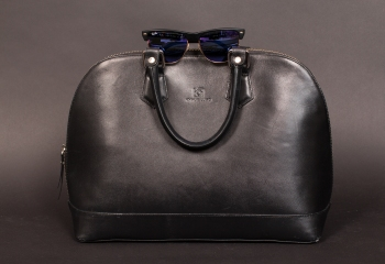 Kynue Lugo purse and Ray ban babies