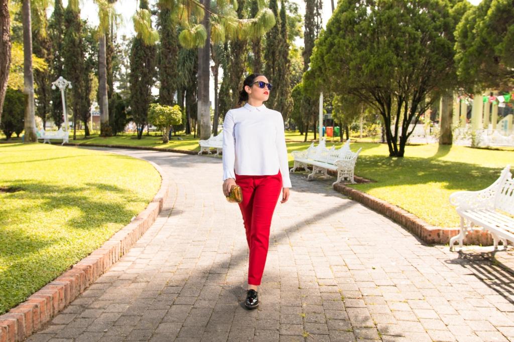Walkin on red pants