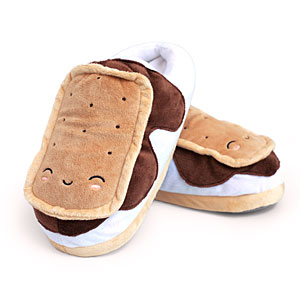 1784_smores_usb_heated_plush_slippers