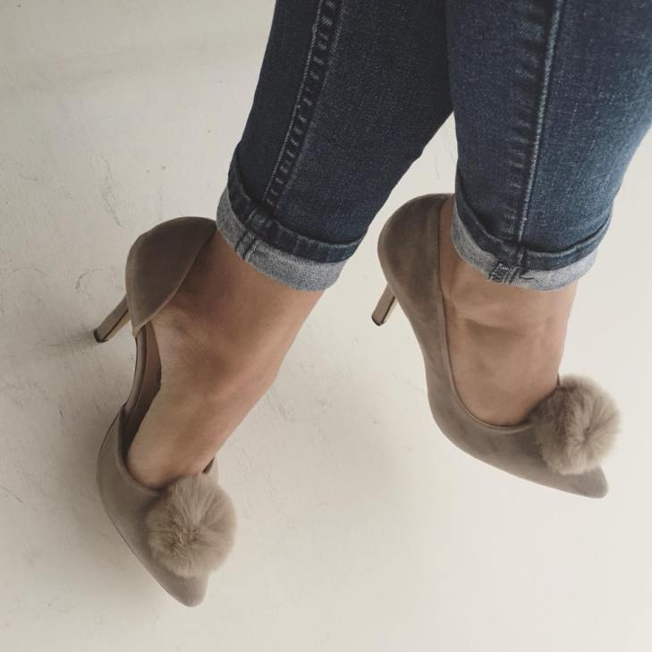 Malibú by Marlene zapatos de pom pom