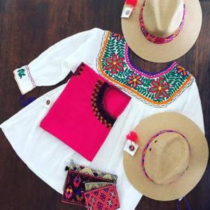 Casa Bajlum Sombreros, bolsas y blusa