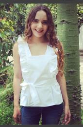 Tisza Blusa blanca con planes