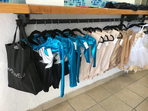 Maquiavelo MX clothing display