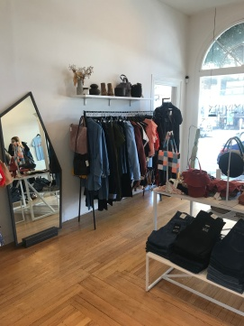 Anomie store with mirror