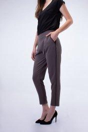 AMAD Pantalón gris línea negra